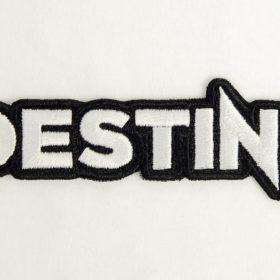 Geborduurd embleem met lasergesneden rand in vorm van het Destine logo