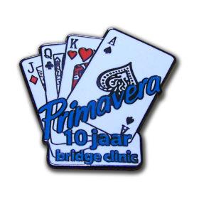 Originele pin voor bridge club, uitgevoerd in hard email